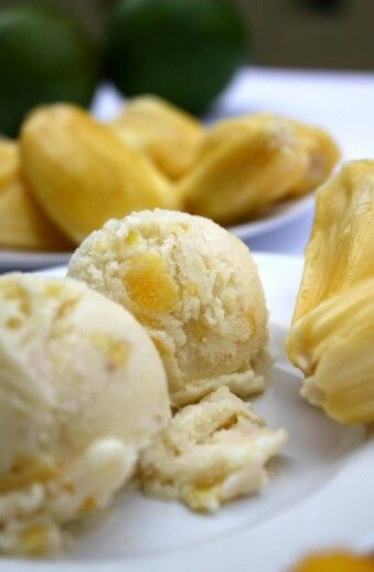 Es puter nangka.... Indonesian traditional ice cream.... jack fruit taste