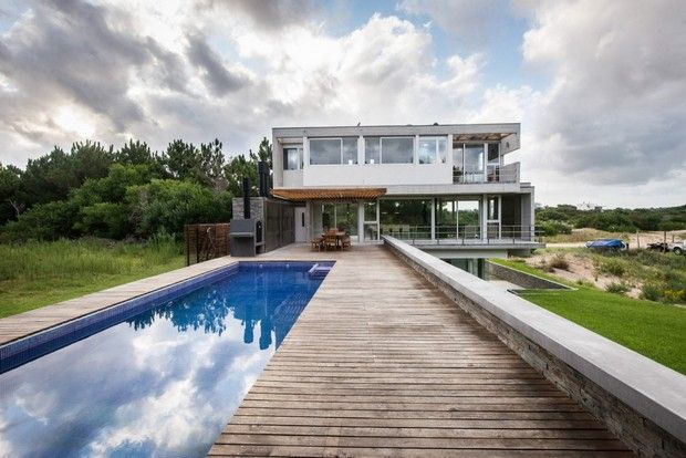 KVS House in Costa County by Estudio Galera