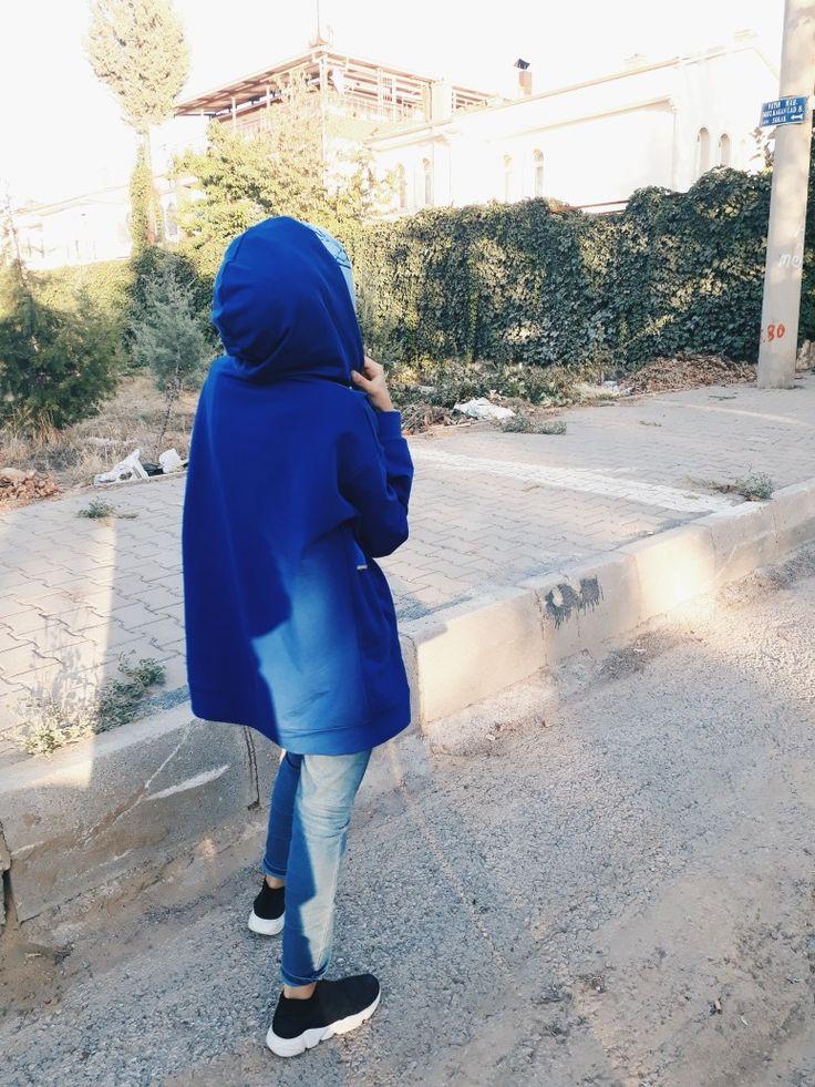 Pin By احمد العبيدي On Photography Hijab Fashionista Stylish Girls Photos Girl Hijab