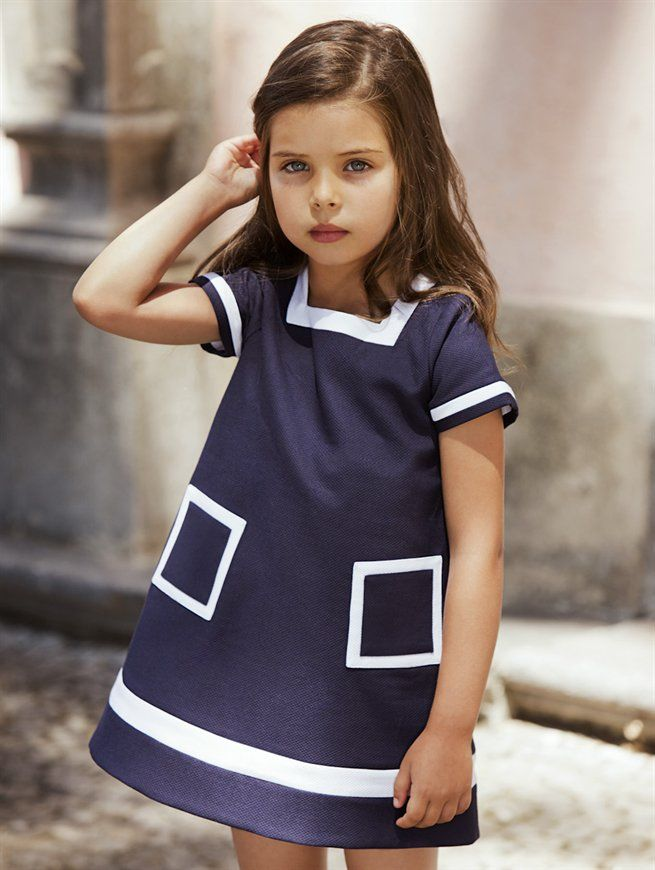 GIRLS PIQUE TRAPEZE DRESS - Oscar de la Renta - this one might be a bit rich but looks easy enough to make