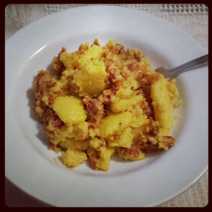 Polenta with cheese and sausages #kialacamper #kialaathome #yummy #delish #foods #polenta #cheese #sausage #foodie #foodpics #eat #hungry #foodgasm #foodporn #yum #instafood