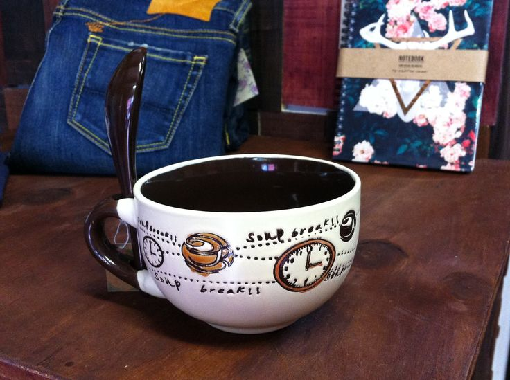 taza grande con cuchara de ceramica