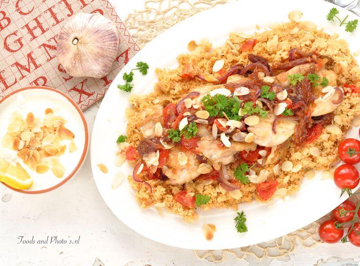 kipdijfilet met Quinoa of couscous, dadels, amandelen en tomaten
