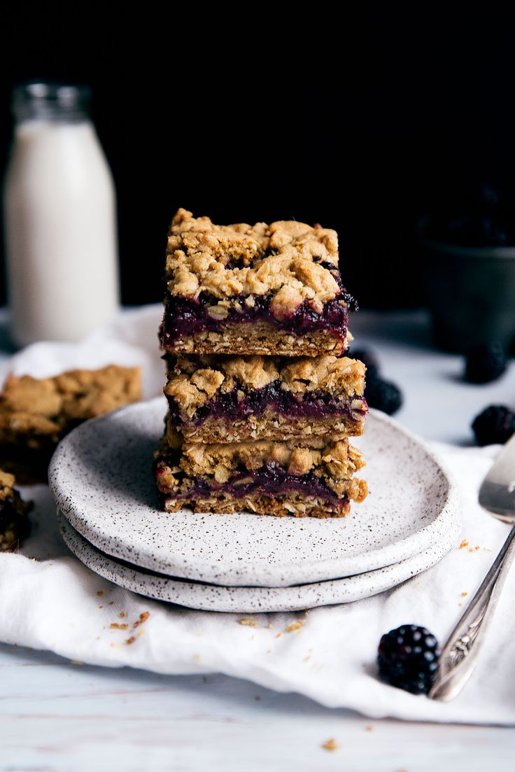 BLACKBERRY CRUMBLE BARS #food #foodporn #foodies