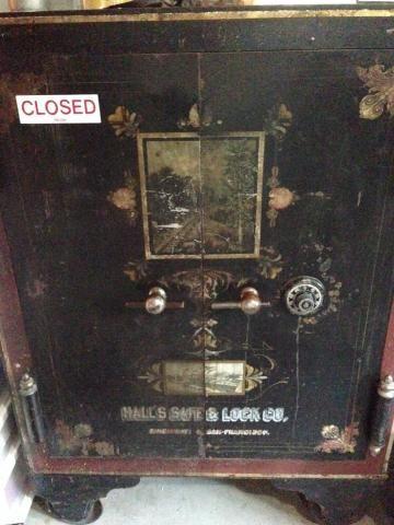Antique Safe Halls Safe Amp Lock Co Posted By Joncellis