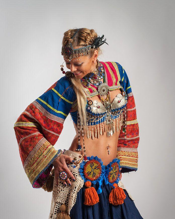 Tribal Belly Dance Top Tribal Choli ATS Choli Ethnic Clothing Vintage Clothing Ethnic Dress Yoke - CARAVANE dans le DÉSERT. $155.00, via Etsy.