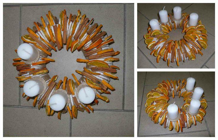 Adventní věnec střední _ pomerančový Originální věnec pro Váš Adventní stůl. Velikost polystyrenového korpusu: 24cm.