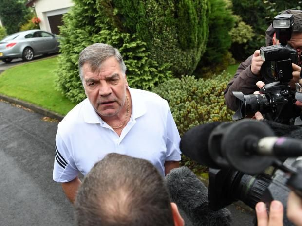 Sam Allardyce speaks to the media after leaving his post as England manager last September  AFP/Getty Images     Sam Allardyce  has reveal...