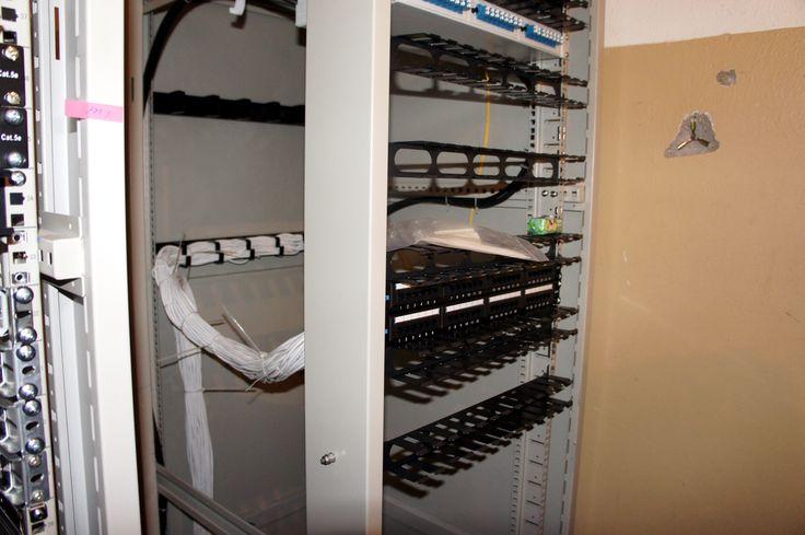 Реконструкция узла. Укладка медного кабеля для взаимодействия между шкафами, установка кабель-органайзеров.