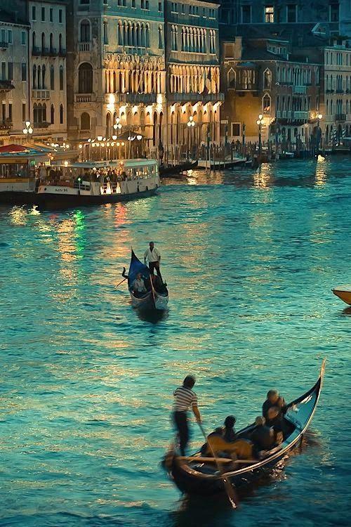 Venice, Italy .- Destinations Planet