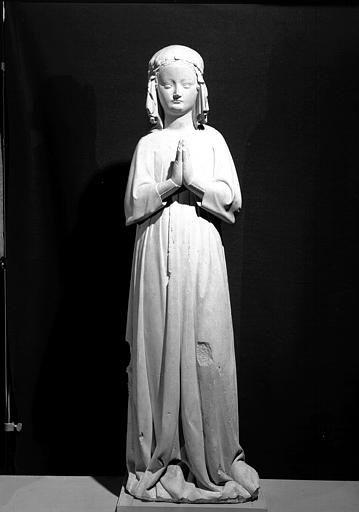 ŒUVRES CHRÉTIENNES DES FAMILLES ROYALES DE FRANCE - (Images et Musique)- année 1870  2bff0b2c1f615cff3ea2032a4433ae0b--french-clothing-middle-ages