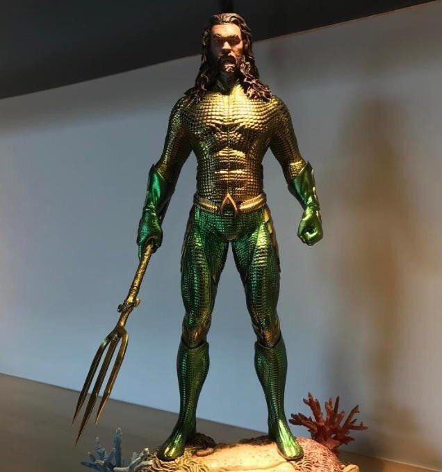 Jason Momoa's Aquaman Costume Gets Closer To The Comics