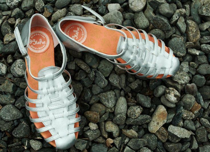 REF: Sandalia Besito plata