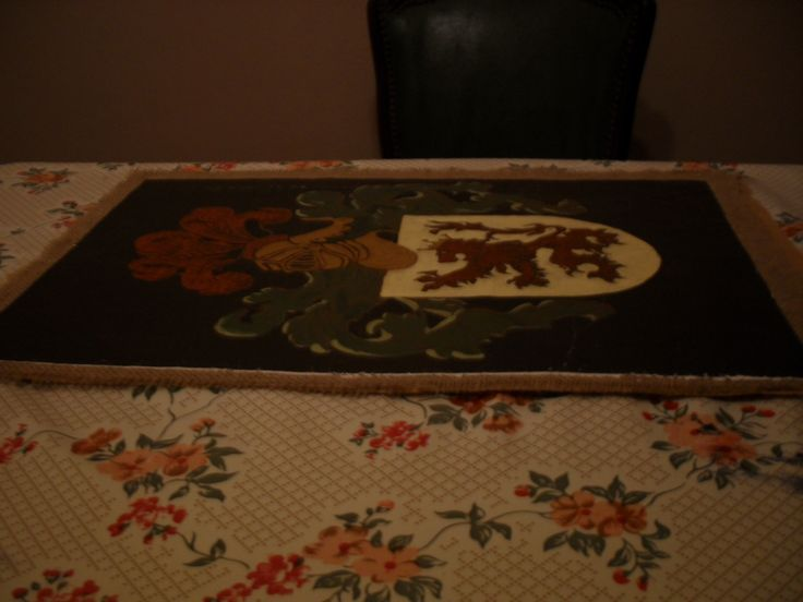 Making of a battle standard or banner (oil on canvas stiched on velvet)