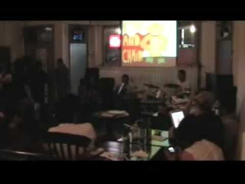 Efek Rumah Kaca - Au Lait Cafe (Adrian Masih Sehat)