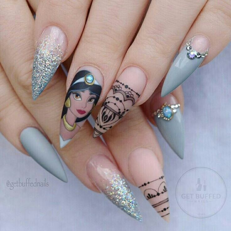 Disney Princess Tiana Waterfall Nail Art: 25+ Bästa Disney Princess Nails Idéerna På Pinterest