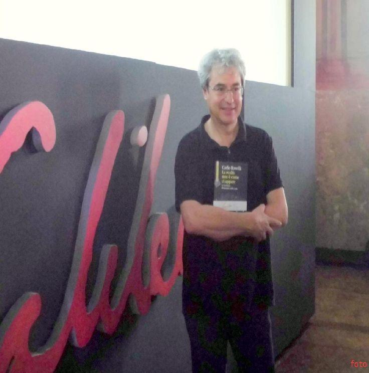 """Carlo Rovelli è il vincitore dell'edizione 2015 del Premio Letterario Galileo con """" La realtà non è come ci appare. La struttura elementare delle cose"""" (foto di Marzia Lonardi)"""