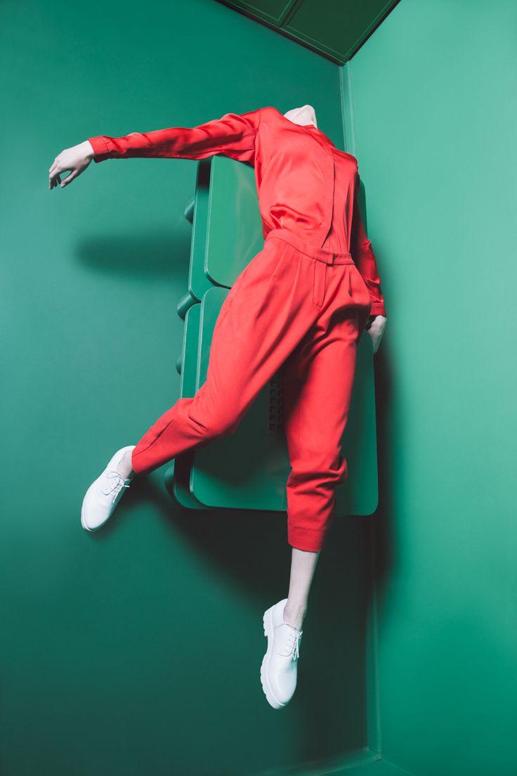 Photo: Dawid H. Gronski Stylist: Sebastian Luszczek Model: Magda Czuj | Reklamex MUA: Aga Ku?ma Fashion Designer: Anne Zabelina Place: Club Finka