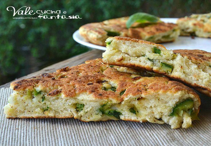 Focaccia con ricotta e zucchine ricetta veloce senza lievitazione ideale per aperitivo, antipasto ,buffet e da portare in tavola al posto del pane