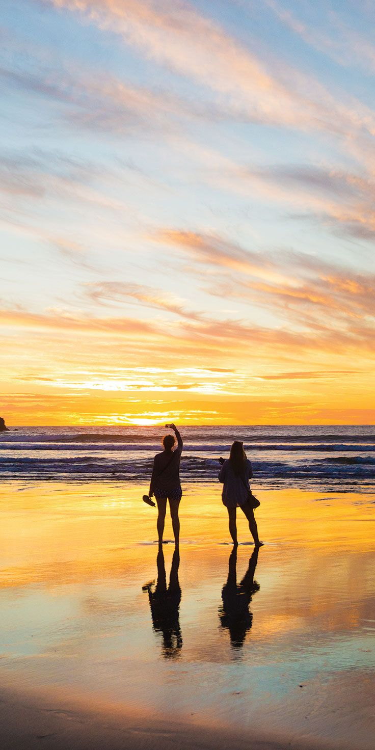 Sunset selfies down at Piha Beach, Auckland - by Cindy Chen