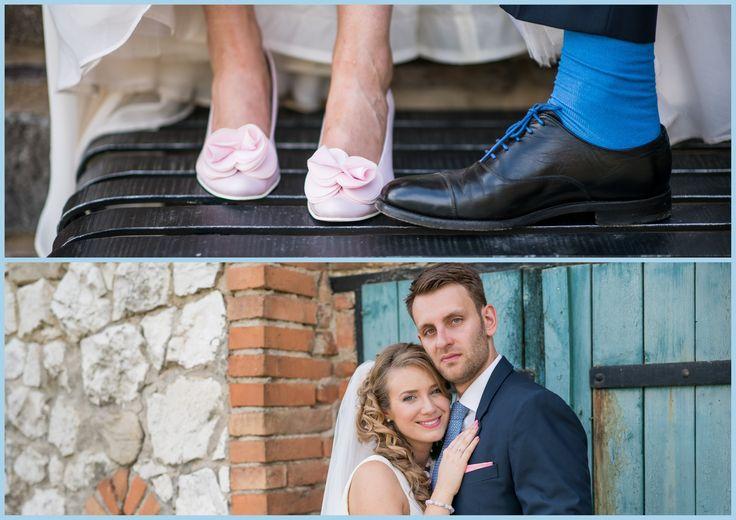"""""""Dobrý den, lodičky jsou nejen krásné, ale také velmi pohodlné, vydržela jsem v nich až do prvního tance, kdy je musely nahradit taneční boty. Ještě jednou moc děkuji za skvělou domluvu a dobrou práci.Kabelku jsem na svatbě moc nevyužila, ale při jiných příležitostech rozhodně využiji! Moc děkuji a ať se Vám daří! """"Šárka P. Růžové svatební lodičky se zdobením. Úpravy dle přání klientky."""