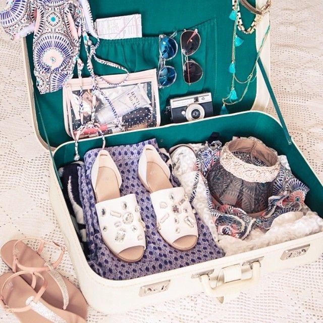 Путешествие в стиле!  Смотрите наш окончательный список упаковки для модного назначения.  #HMSummer
