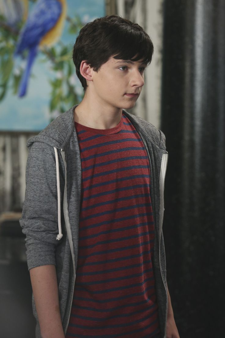 Hey guys! I just wanted to let everyone know that I'm Henry Mills. I REPEAT, I'm Henry Mills.