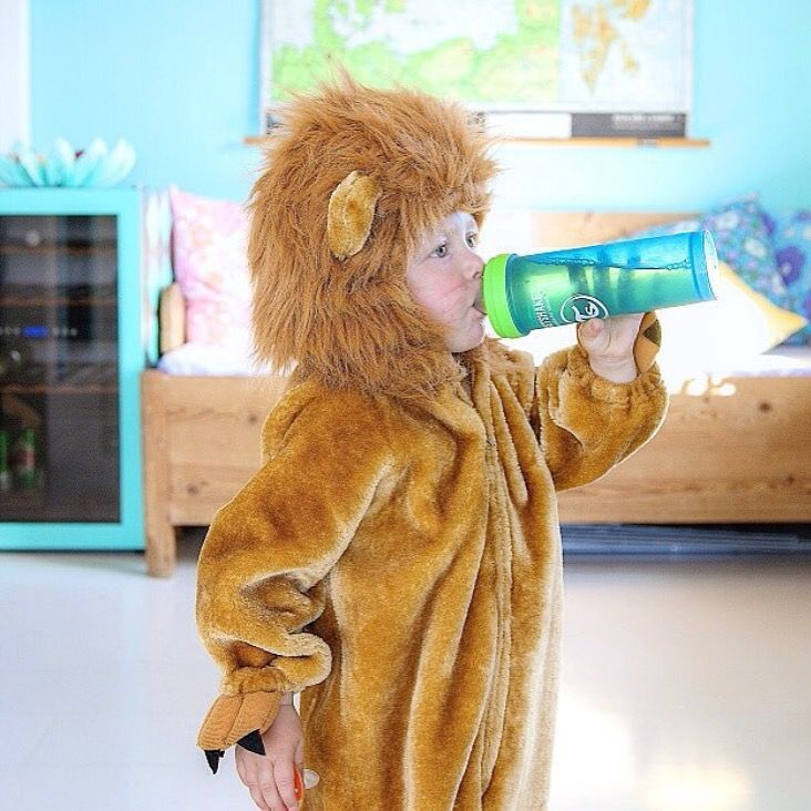 Even the big bad scary lion has to refuel! www.twistshake.com
