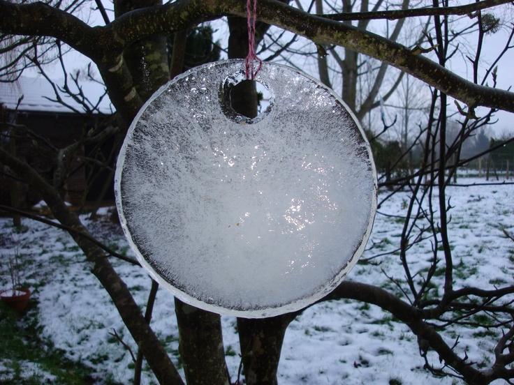 Eisscheibe vom Wasserkübel