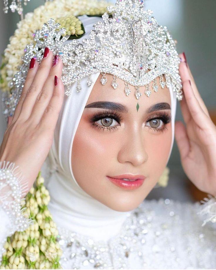 Baju Pengantin Di 2021 Pengantin Makeup Pengantin Kerudung Pengantin