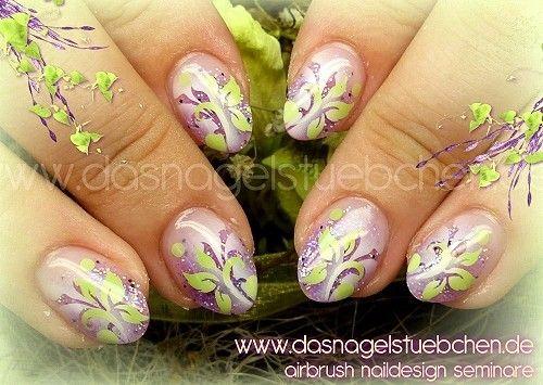 Airbrush Nails in Lila/Grün