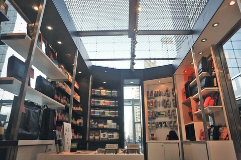 The first Moleskine shop opens in NYC in TWC.