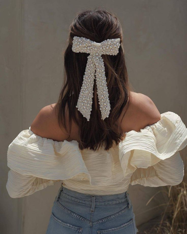Pretty Hairstyles, Wedding Hairstyles, Classy Outfits, Cute Outfits, Bailey Bow, Hair Dos, Bridal Style, Her Hair, Passion For Fashion