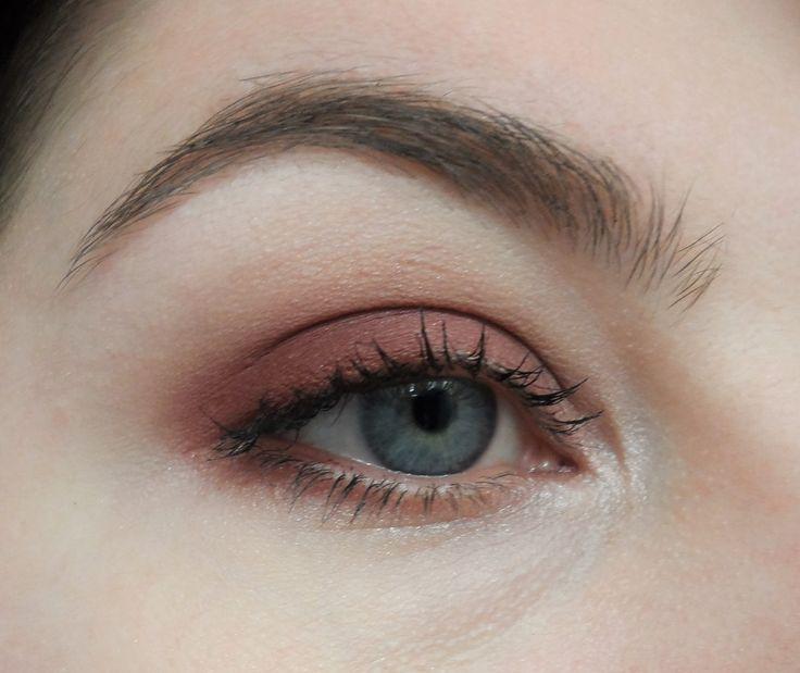 makeup geek bitten eyeshadow (LC Venus palette dupe)