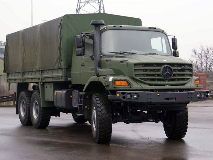 The Mercedes-Benz Zetros 2733 (6x6), currently used by the German and Bulgarian Armies.
