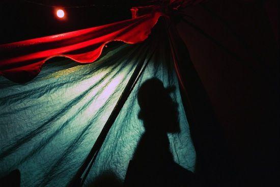 «Passer sous la toile...» de Florence Delahaye  | Actuphoto