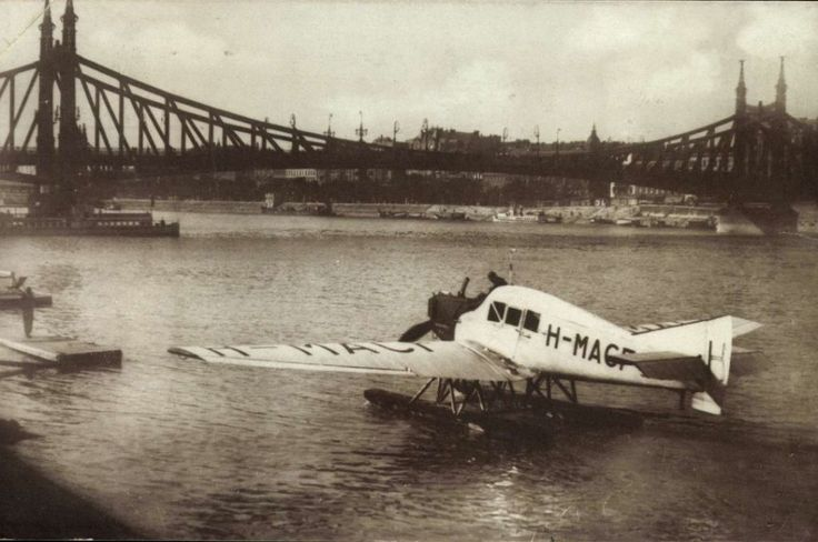Budapest 1925 - On the Danube
