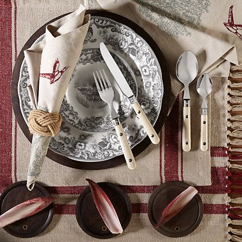 Pretty tableware for an elegant, neutral look that will compliment any table setting, while being incredibly easy to care for and versatile. An essential piece for every day dining.