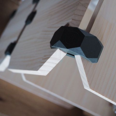 The connector, made by injection, allows you to snap together plywood panels without damaging the surface, so you can reuse it how many times you want. #playwood #connectors #plywoodfurniture #plywood #opensourcefurniture #openfurniture #opendesign #creativecommons #joint