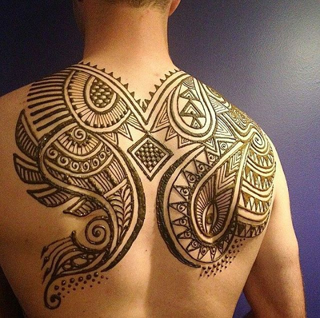 Men Are Wearing Body Henna Because GOD'S GENEROSITY KNOWS NO BOUNDS