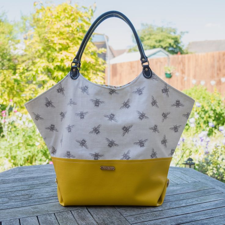 Bumble bee tote shoulder bag in yellows and greys. Large purse. Big shoulder bag. Convertible tote. Hobo handbag. Market shopper. by byLittleDaisy on Etsy
