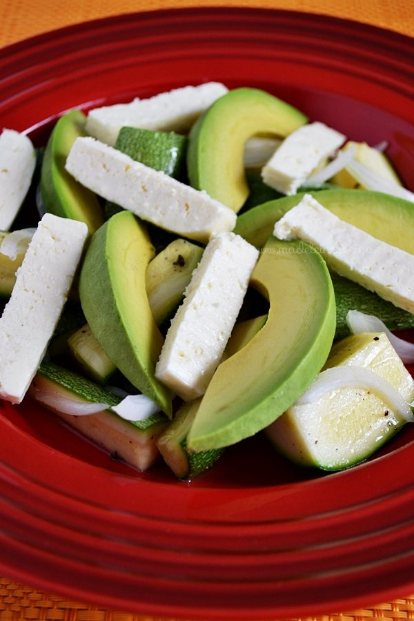 Ensalada de calabacita con aguacate y queso fresco   Madeleine Cocina