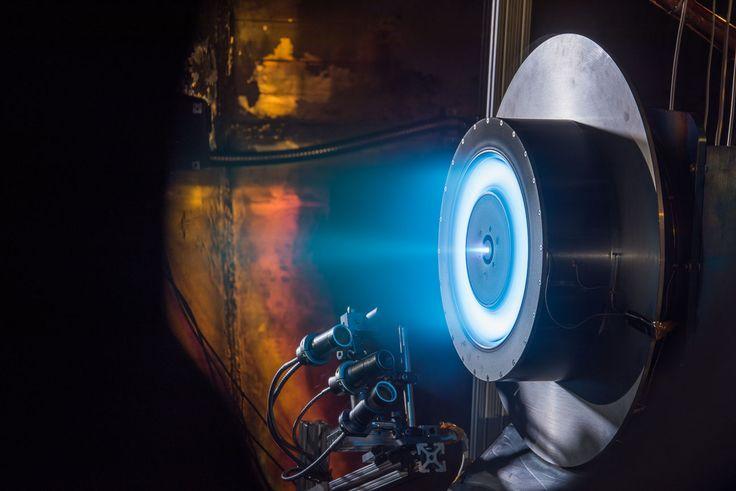 NASA'nın Mars gezegeni ile ilgili planları son hız devam ediyor. Uzay ajansının şimdiki hedefi ise fütüristik bir iyon motor üretmek. İşte detaylar!