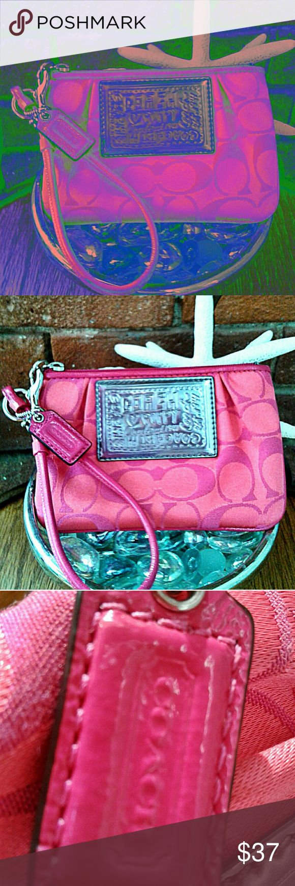 "💜🌼 COACH POPPY SIGNATURE C WRISTLET EUC 💜🌼 💜 SUPER CUTE COACH POPPY SIGNATURE C WRISTLET, HOT PINK COLOR. IN EXCELLENT PRE ♡♡♡ CONDITION. TOP ZIP & OPEN INSIDE.MEASURES 6"" LONG x 4""WIDE AND THE WRISTSTRAP DROP IS 6"". A SWEET LITTLE BAG~ CLEAN & CUTE❣ Coach Bags Clutches & Wristlets"
