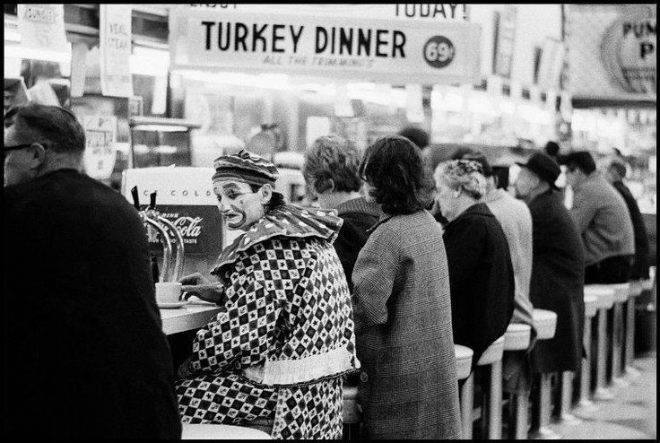 Photo © Thomas Hoepker/Magnum Photos  USA. Reno, Nevada. 1963. A clown at a lunch counter in a diner.