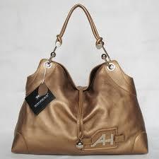 Choosing and Buying A Replica Handbag