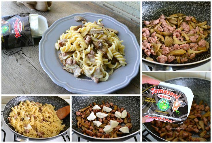Pasta con funghi, stracchino di capra e salsiccia