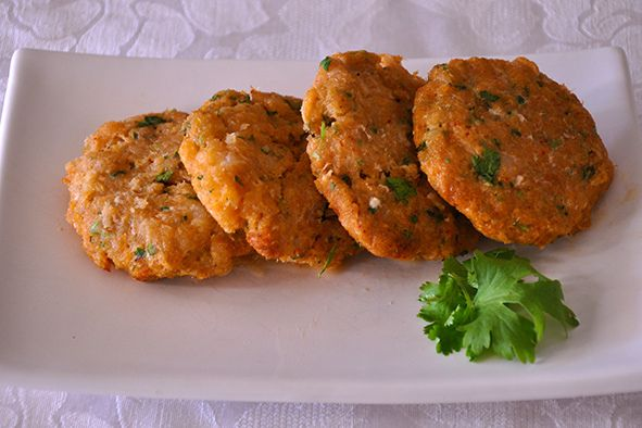 THAI FISH CAKES Recipe Main Dishes with whitefish, egg whites, kaffir lime leaves, Thai red curry paste, fresh coriander