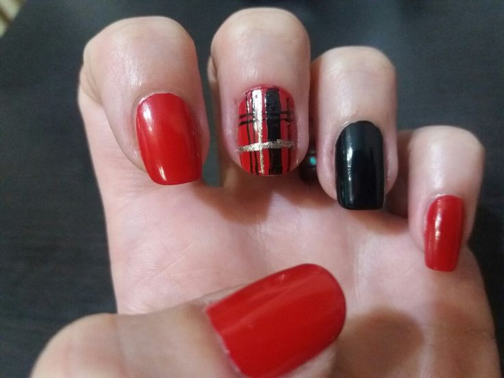 Red - black - gold nails