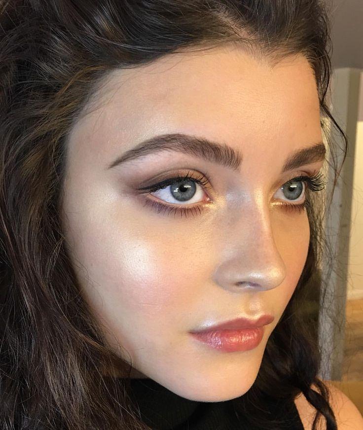 Luminous makeup dewy skin beautiful simple natural model km